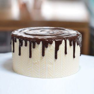 How to use Ganache and make a ganache recipe for cakes