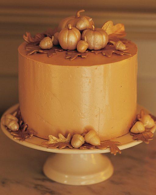 Elegant Thanksgiving Cake