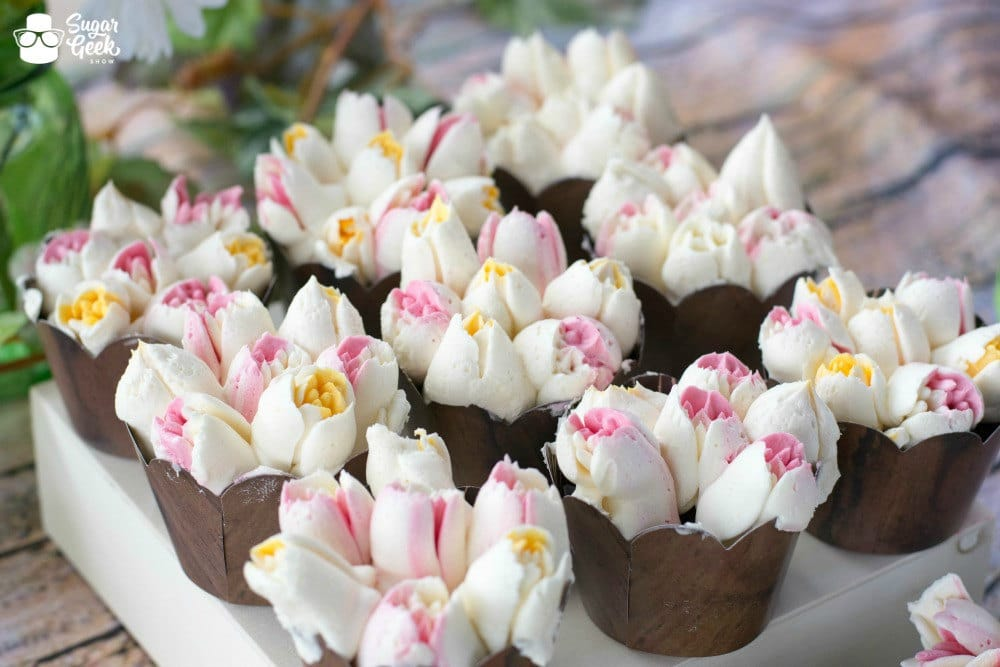 Russian Piping Tip Tulip Cupcakes