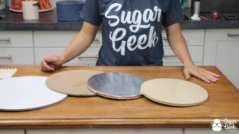 How to cover a cake board