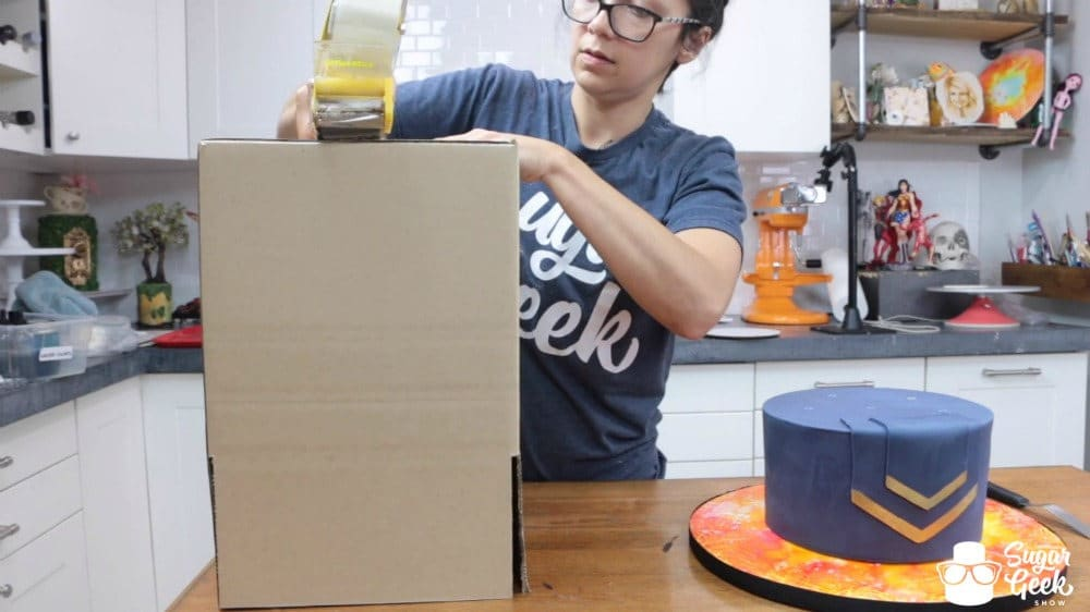 How to box a cake for delivery