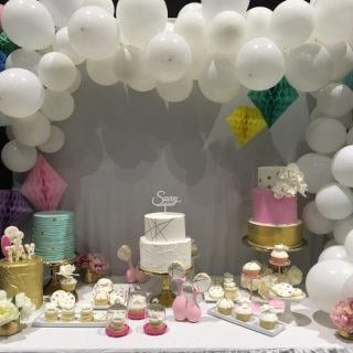 bridal show booth idea balloons