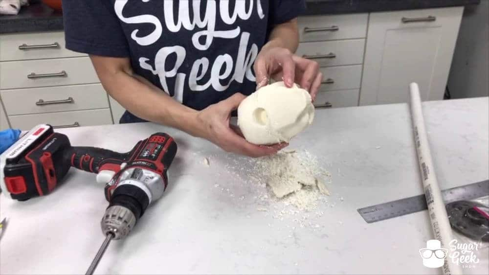 How to use a chocolate skull mold for bust cakes