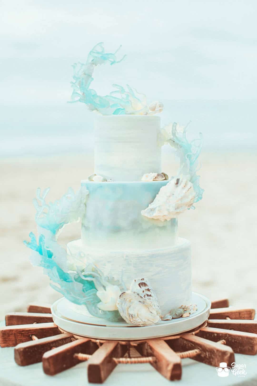 wedding cakes lincoln city oregon ruffled photo by hazelwood photo http ruffledblog 24918