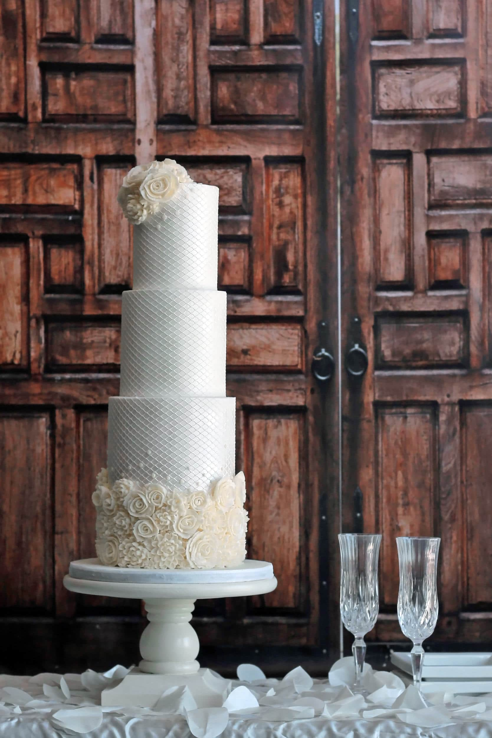 White wedding cake texture trend - shannon bond