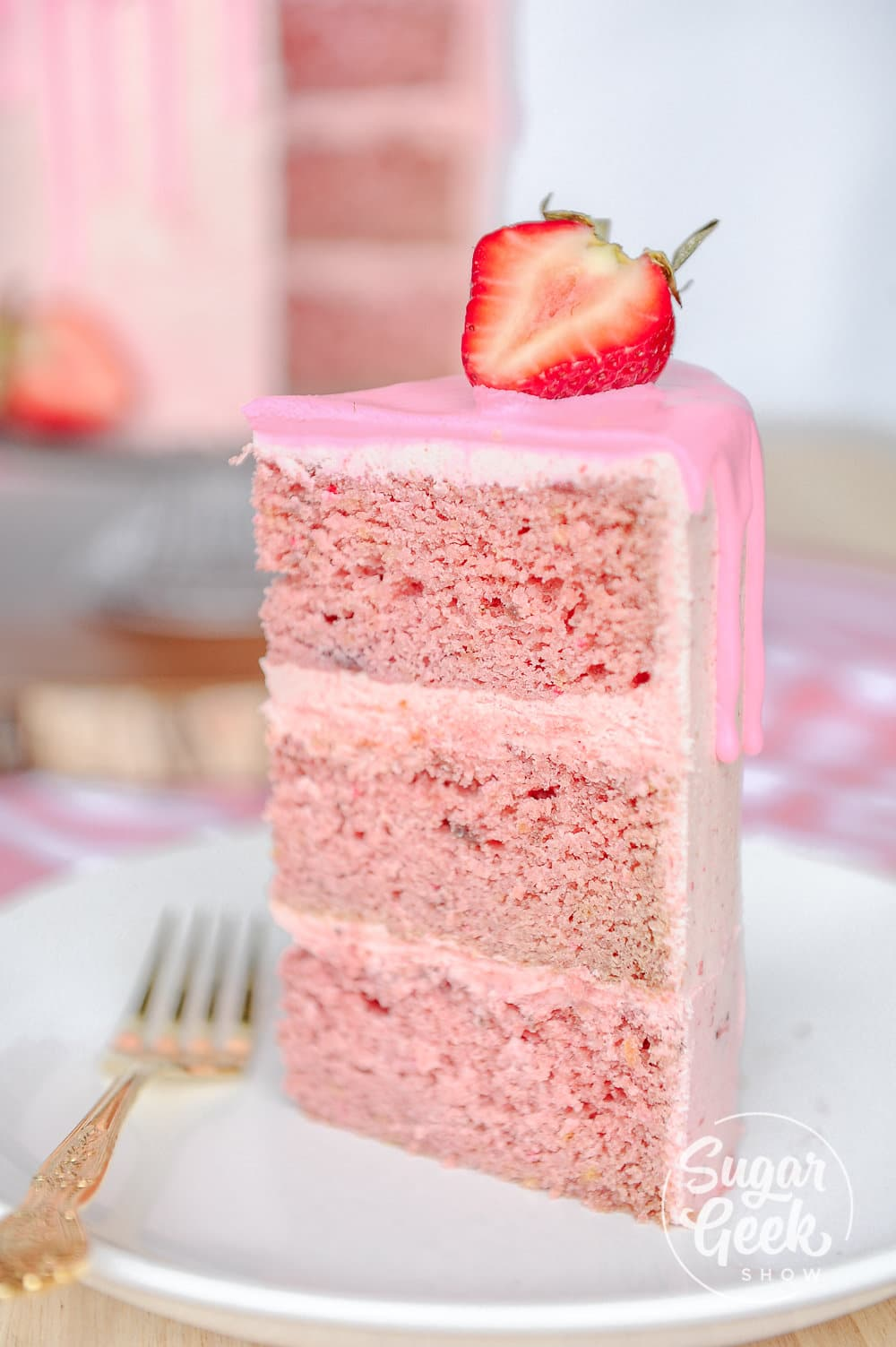 strawberry cake made with freeze dried strawberries