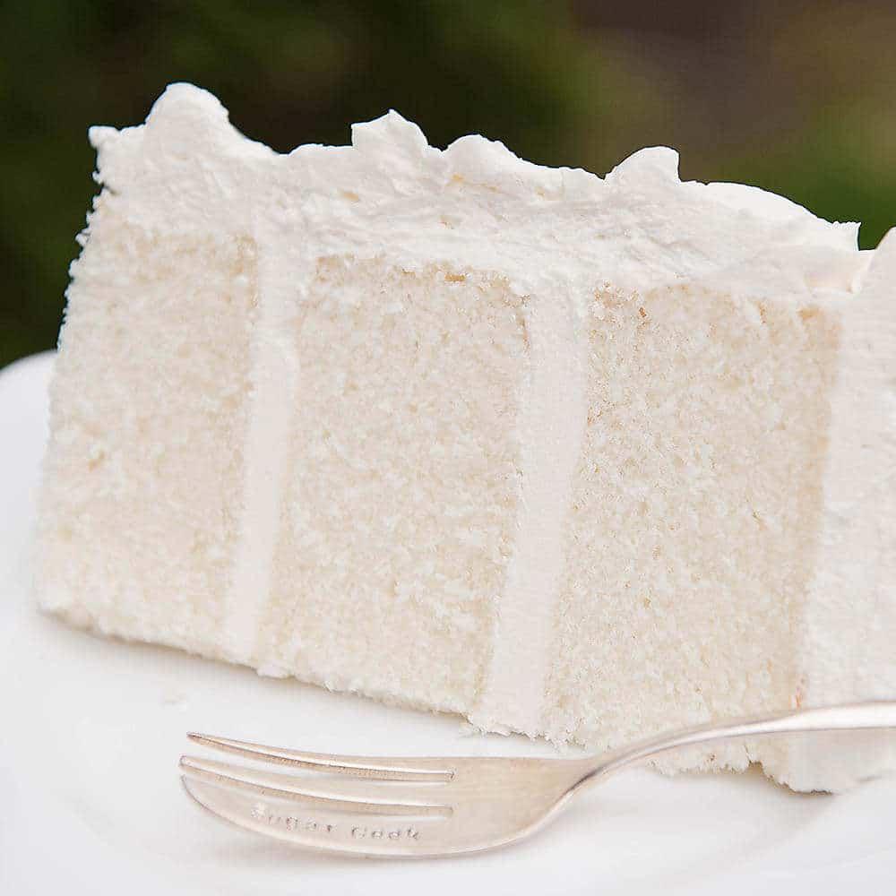 white velvet cake withe ermine frosting