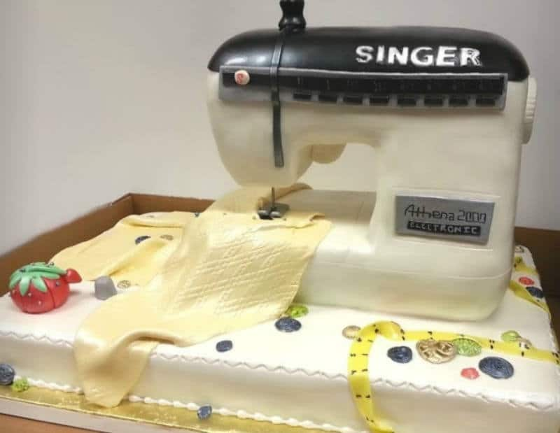 singer sewing machine cake