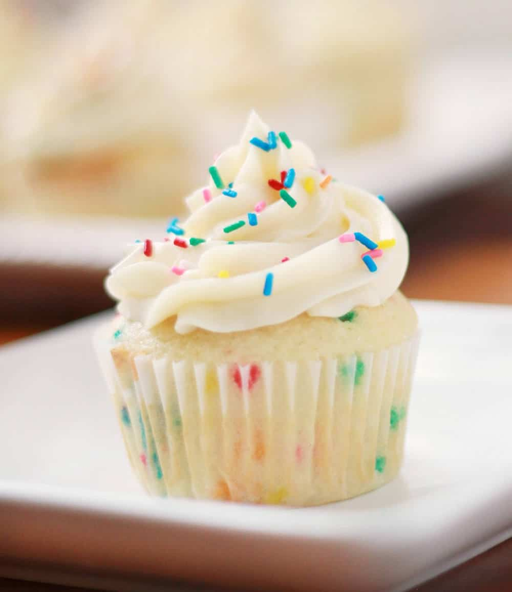 how to make funfetti cupcakes from scratch