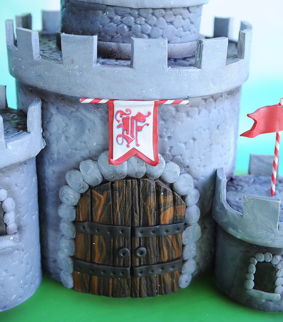 Castle Gate Cake Detail