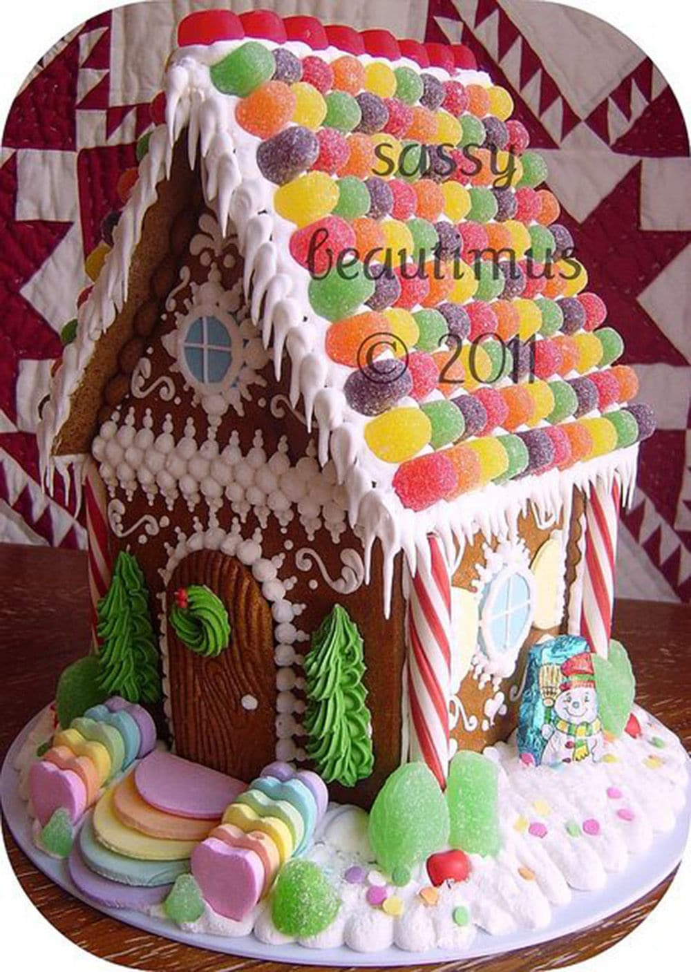 cute gumdrop gingerbread house! I love the nella wafer stairs