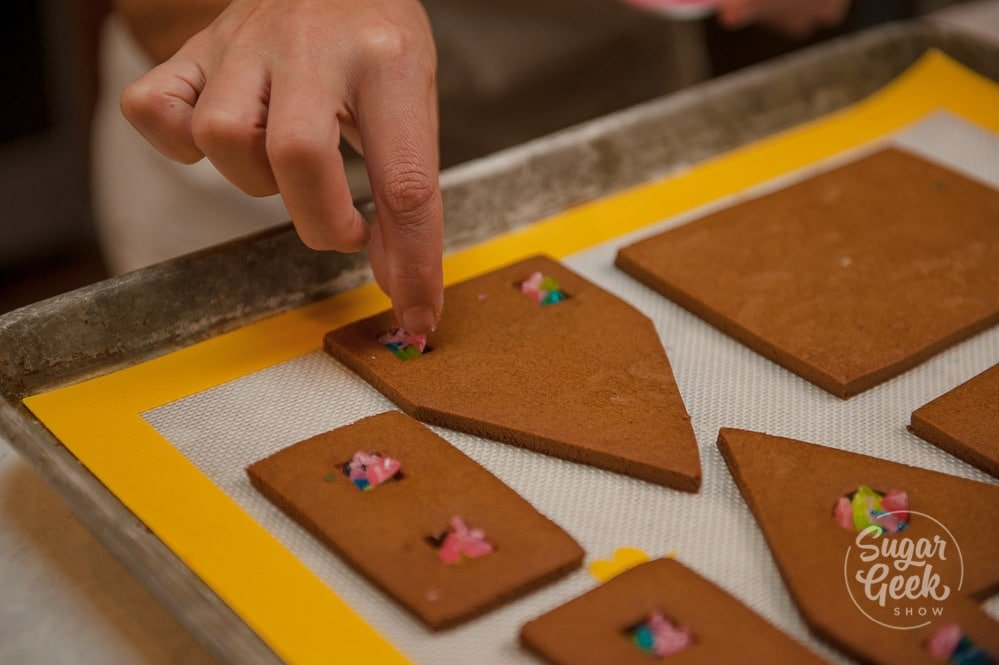 how to make gingerbread house windows