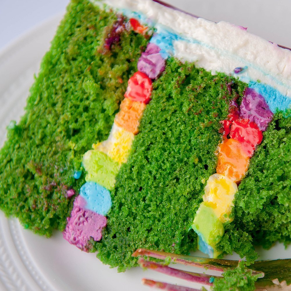 How to make a green velvet cake with rainbow buttercream filling. It actually tastes really good! This recipe is adapted from a real red velvet cake and has a delicious flavor