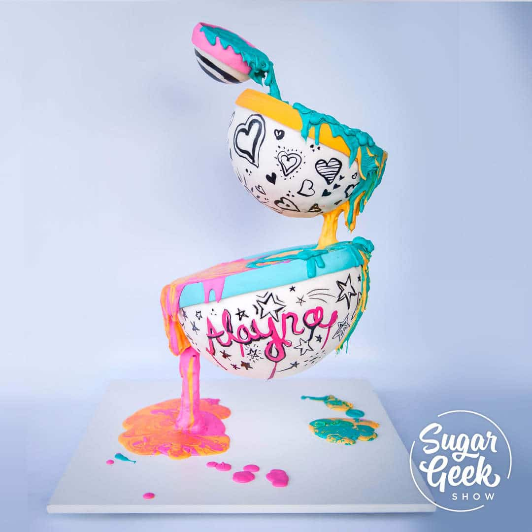 Learn how to make a gravity-defying cake that looks like it's actually floating off the ground, only on sugargeekshow.com