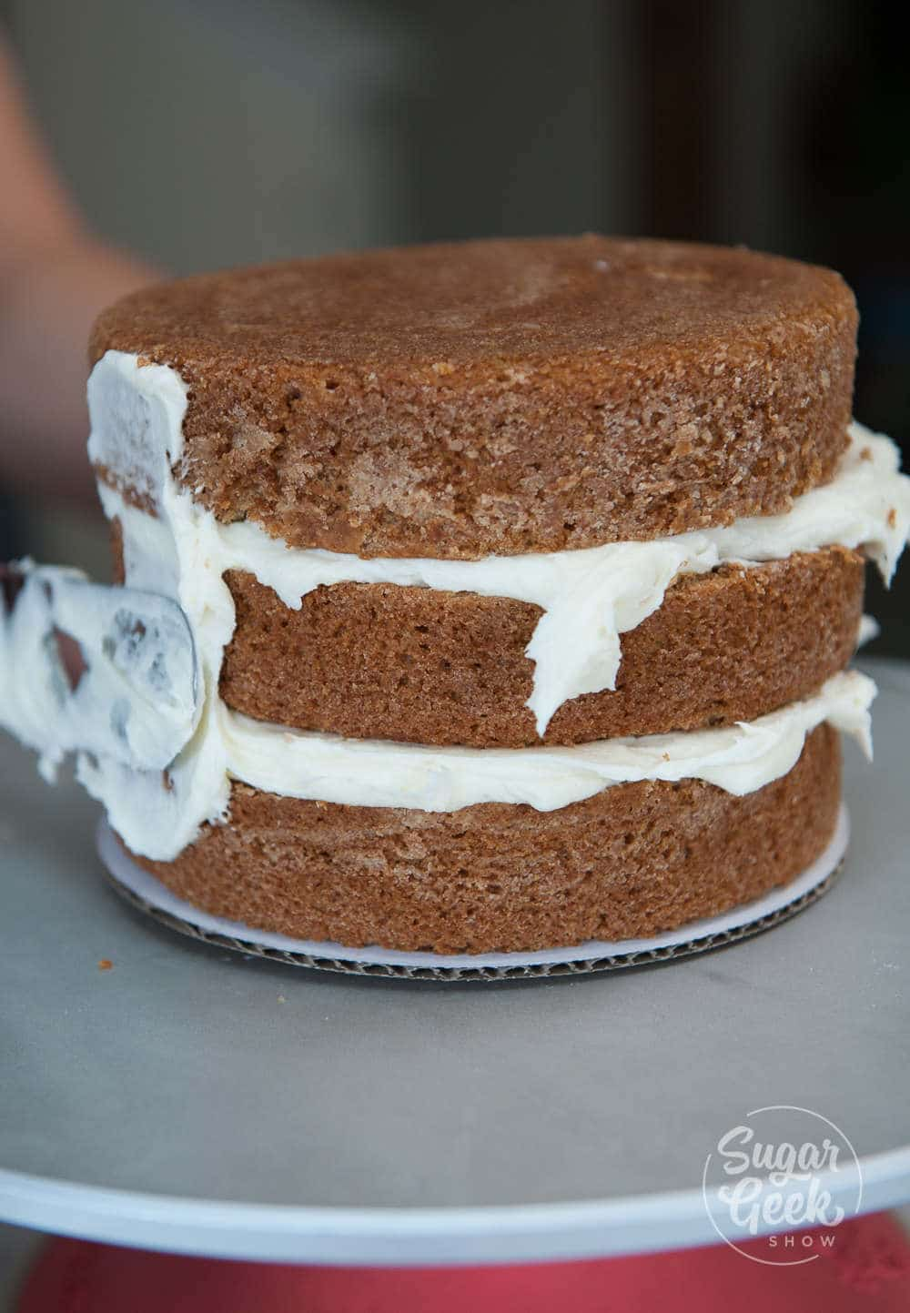 frosting an applesauce cake