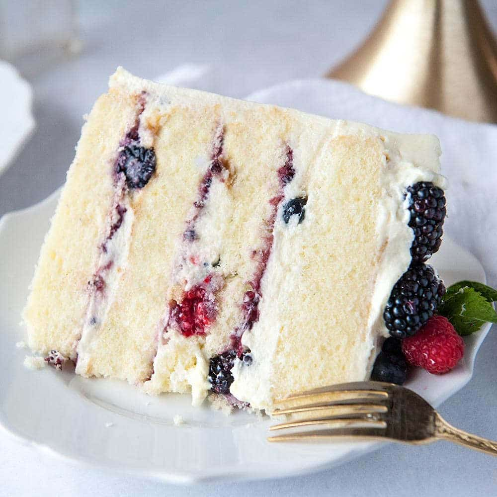 Berry Chantilly Cake With Mascarpone Frosting Sugar Geek Show