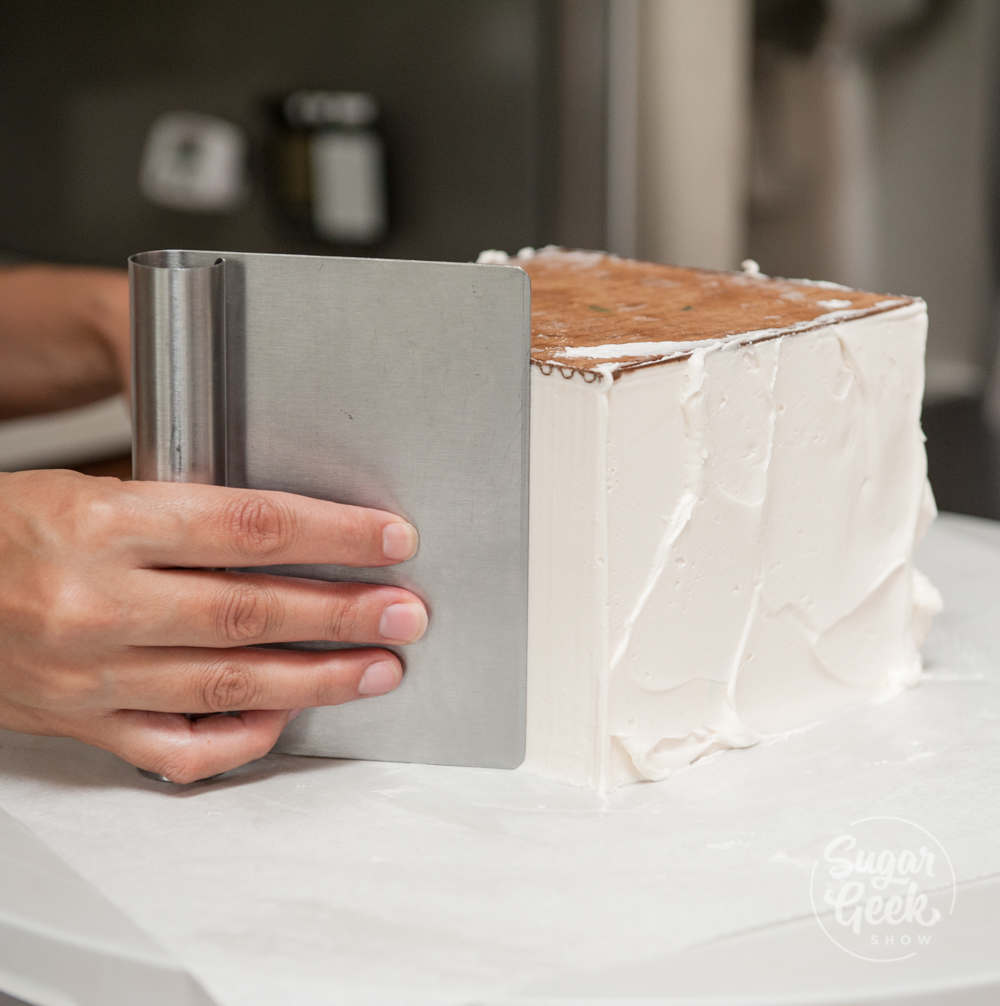 How to make a square cake using the upside down method