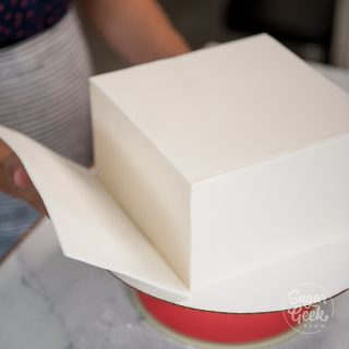 how to panel a square cake in fondant