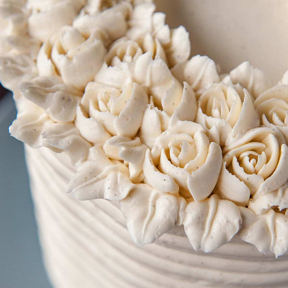 vanilla bean buttercream flowers