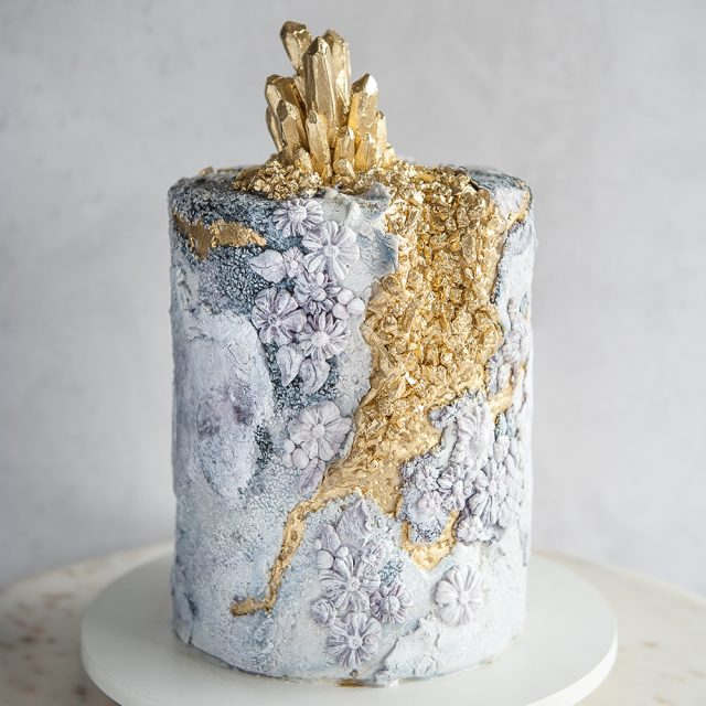 fondant stone texture on cake with gold geode