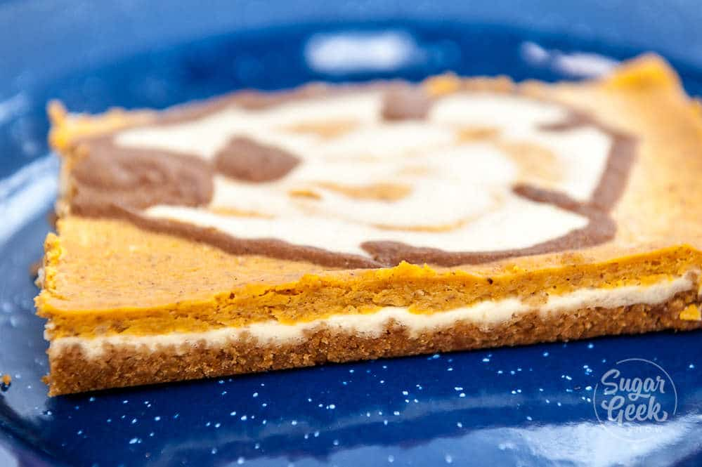 pumpkin cheesecake bar layers