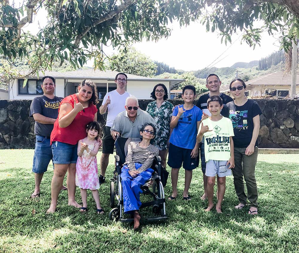 liz marek with her Hawaiian family