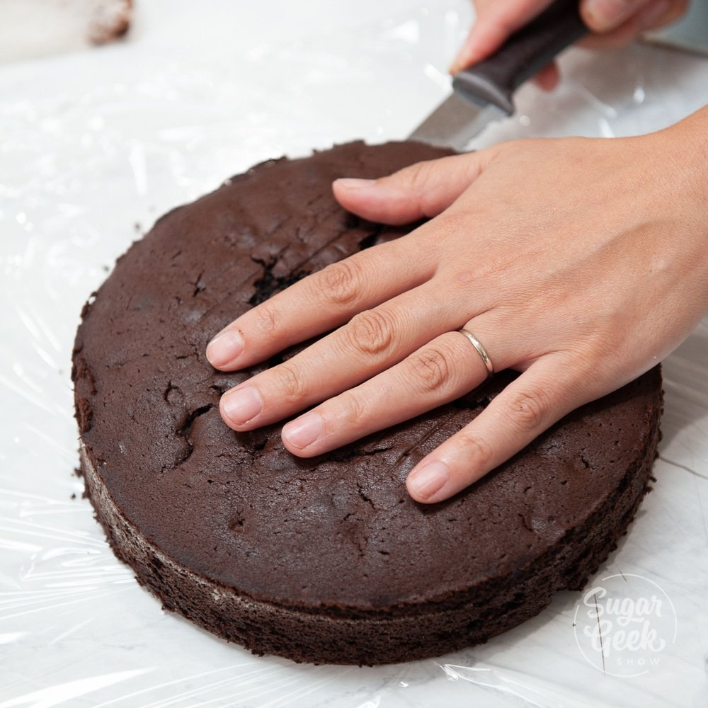 leveling a chocolate cake