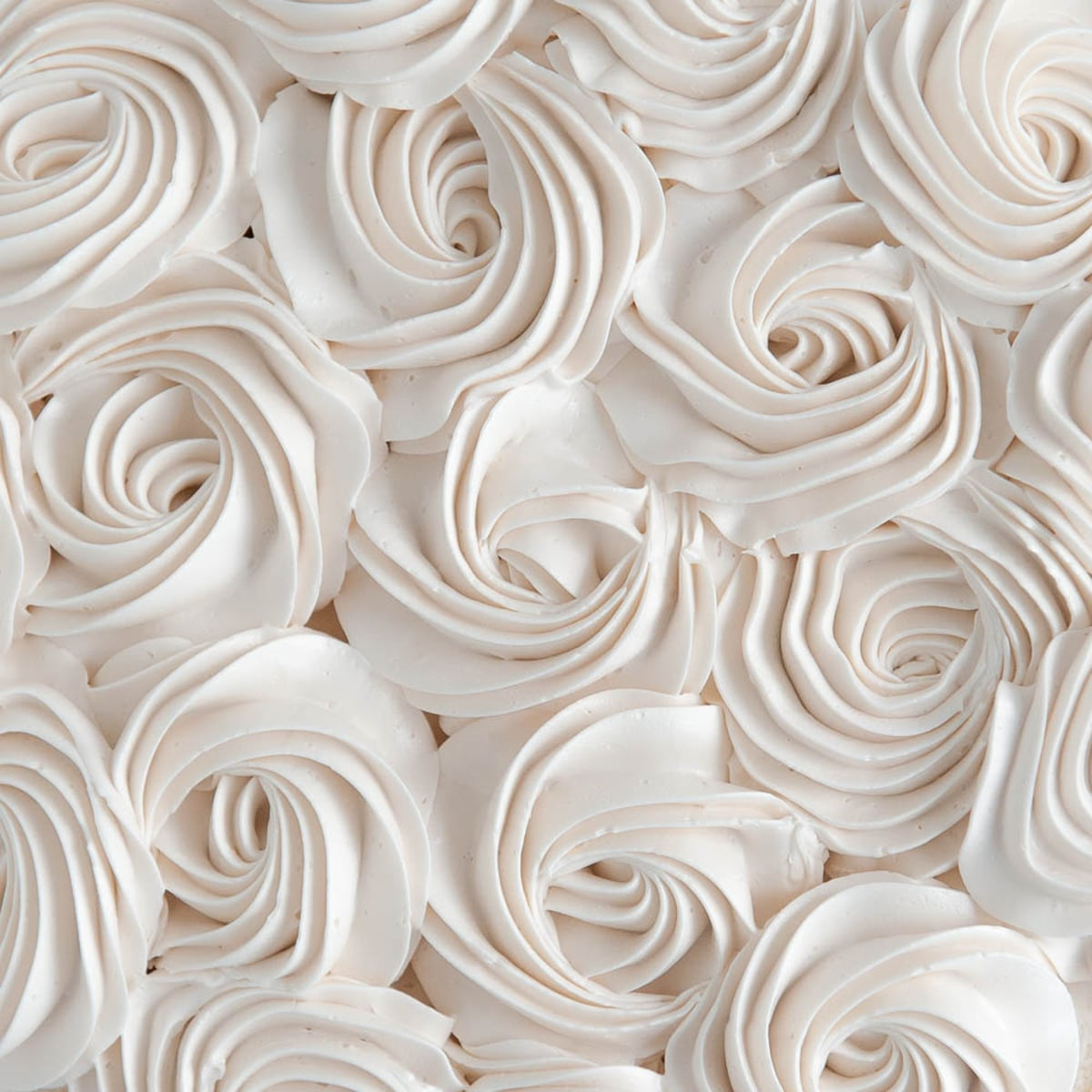 close up of easy buttercream rosettes