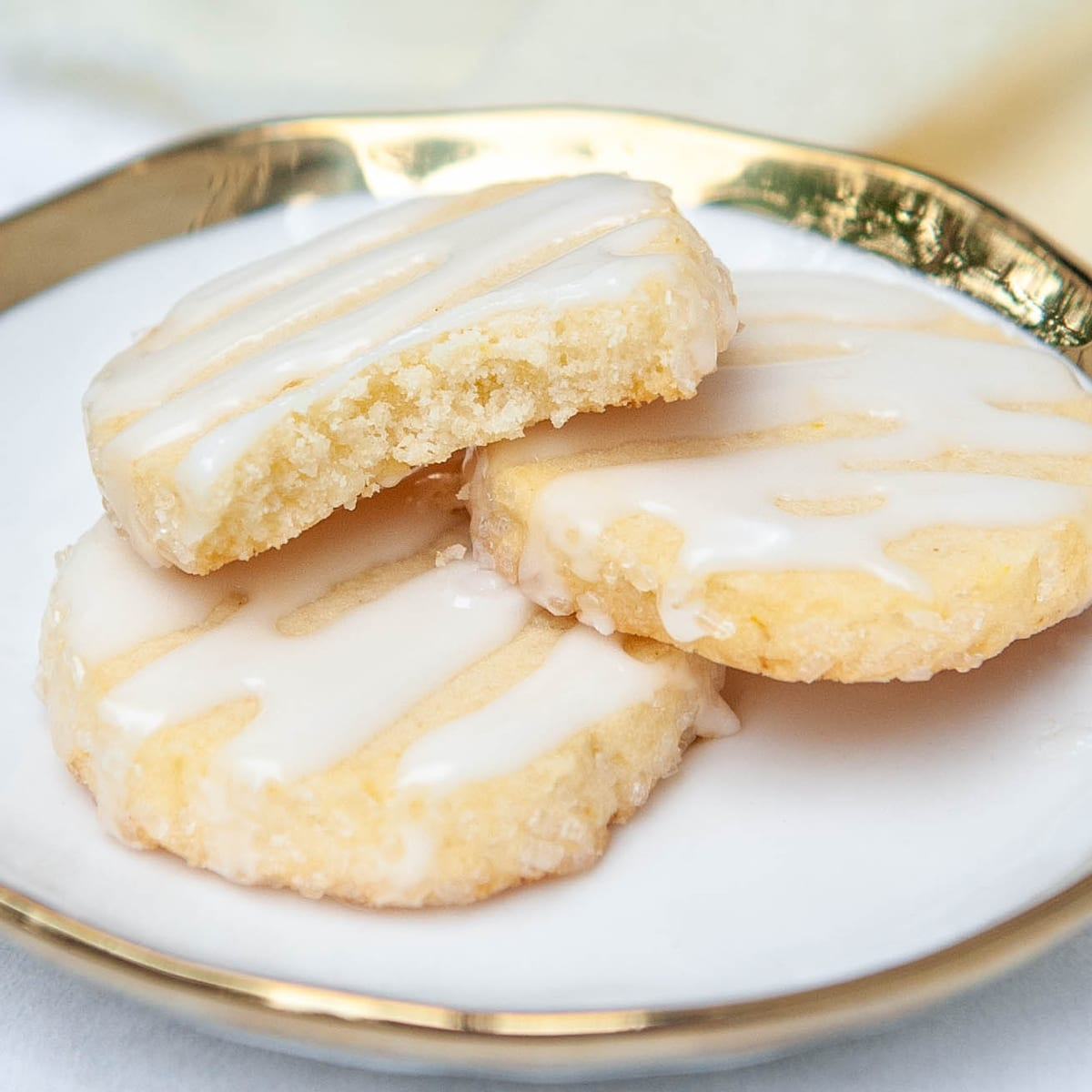 closeup of lemon shortbread cookies