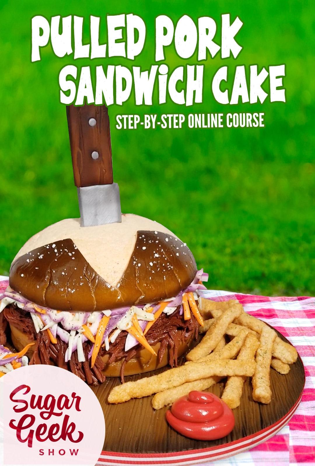 torta scolpita per assomigliare a un panino stirato con patatine fritte, ketchup e un panino pretzel