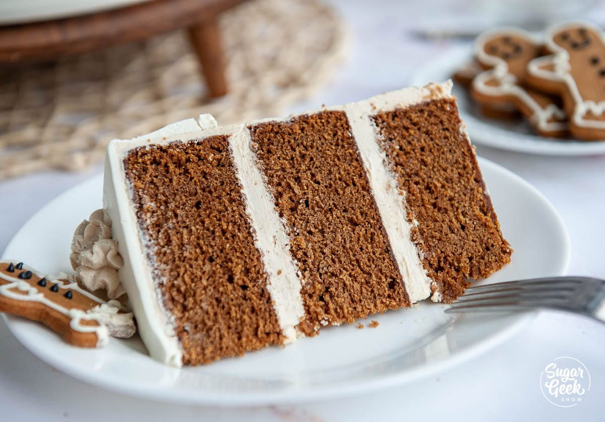 decorating a gingerbread cake