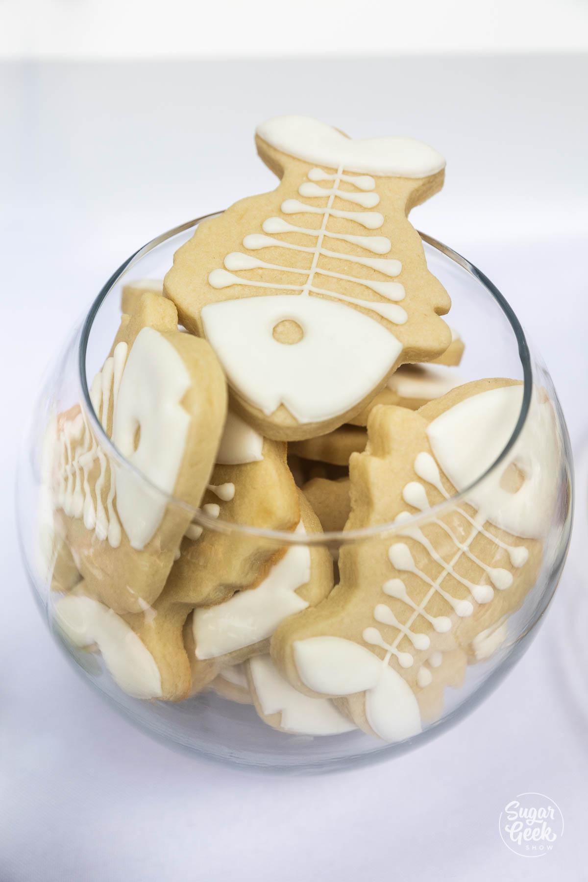 fish skeleton cookies